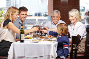 Restaurant_family_shot